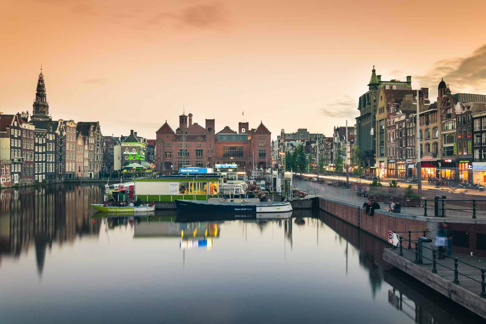 Amsterdam at night, one of the most beautiful times to stroll the streets that run alongside the canals