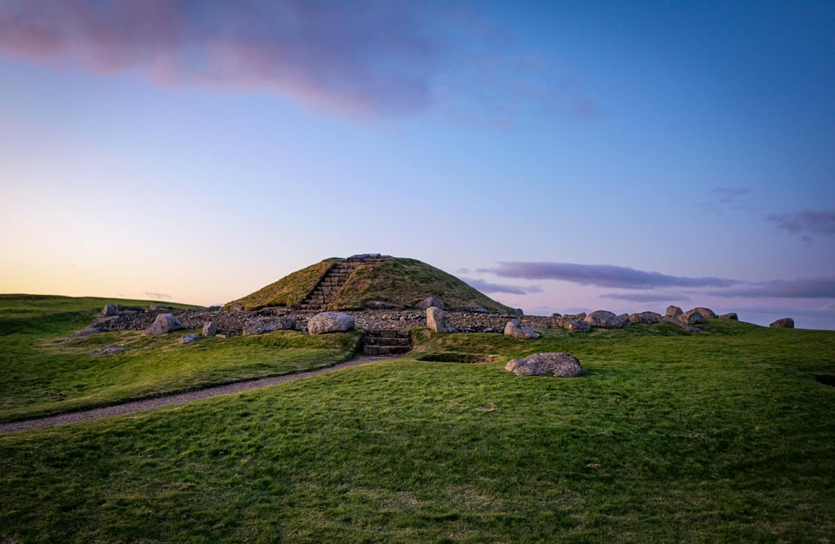 fun things to do in west lothian cairnpapple hill