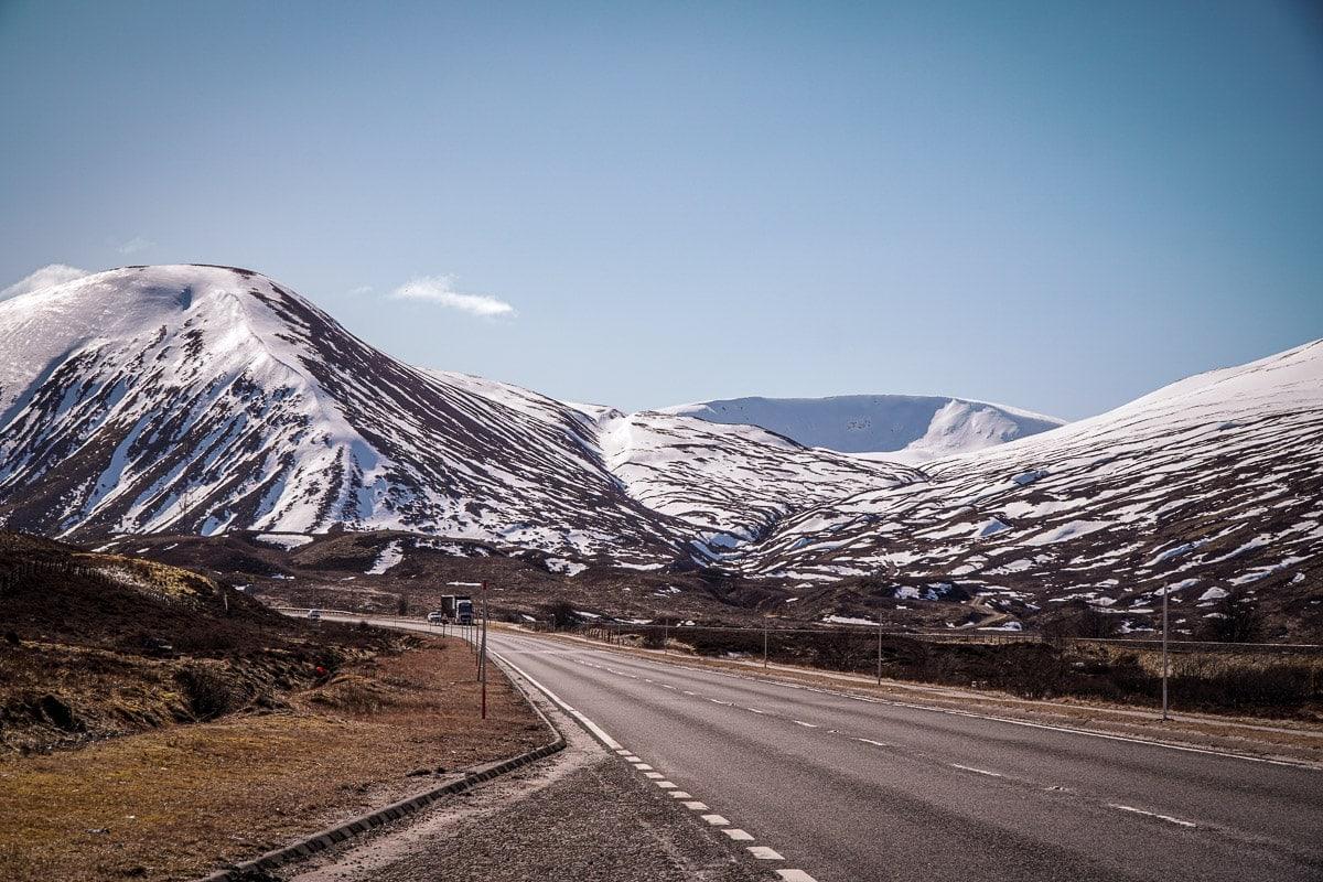 snow on the scottish mountains