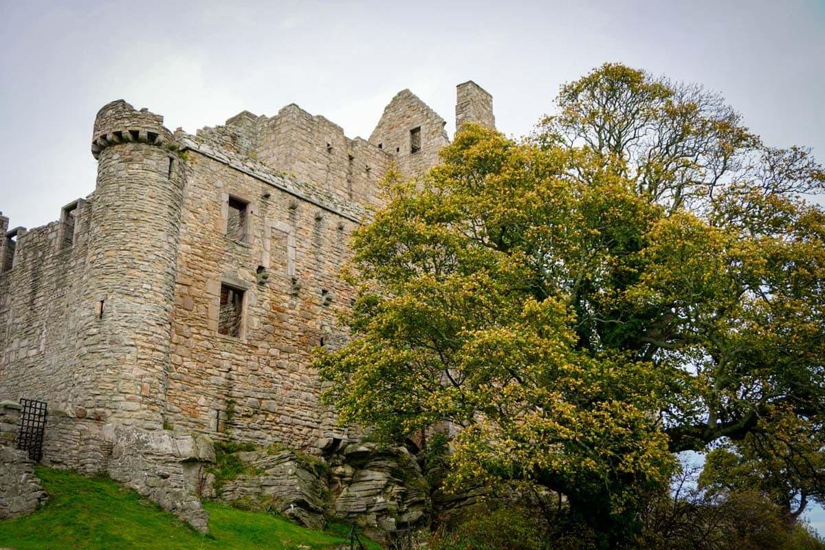 A Guide to Craigmillar Castle in Edinburgh