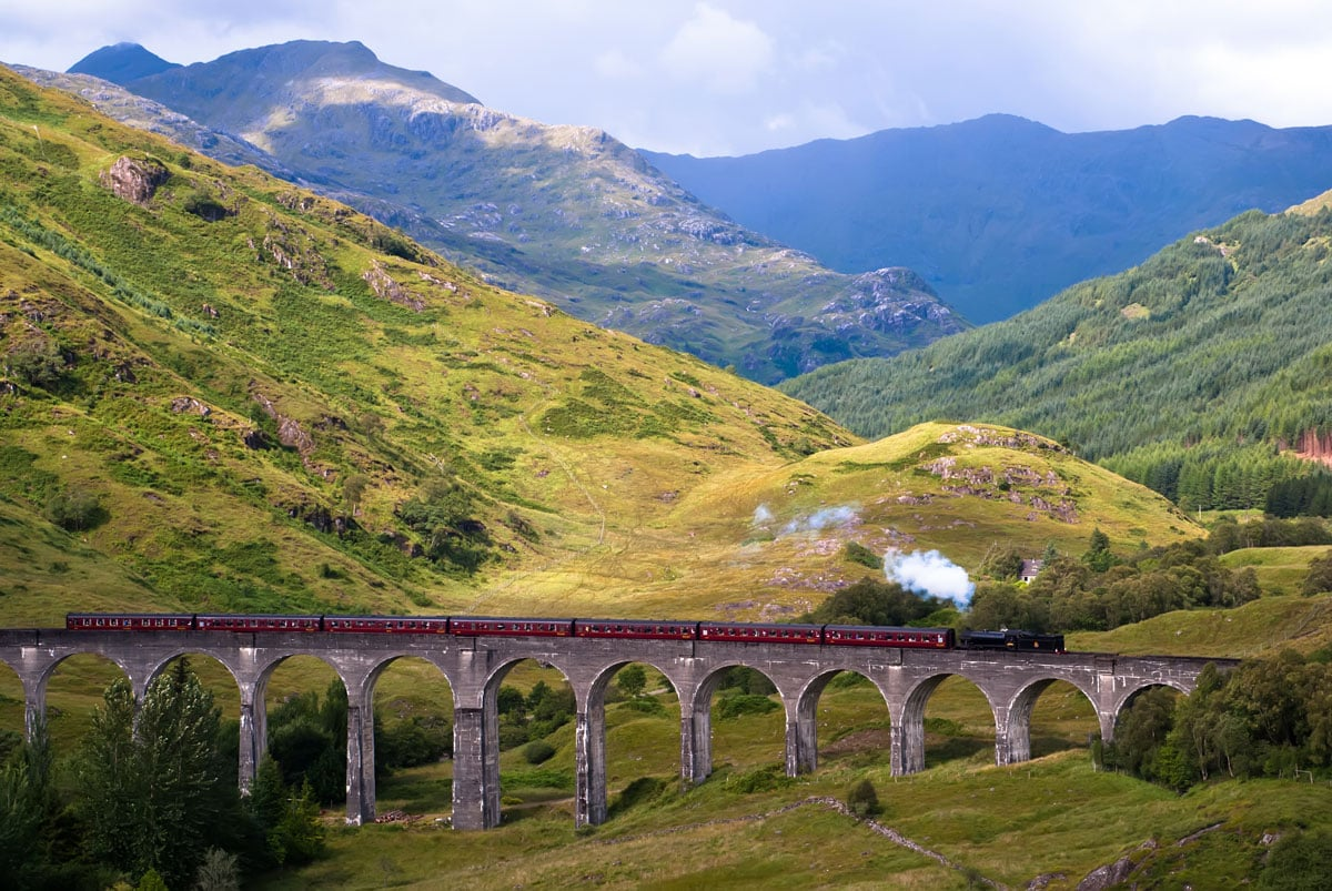 12 Romantic Things To Do in Scotland for Couples